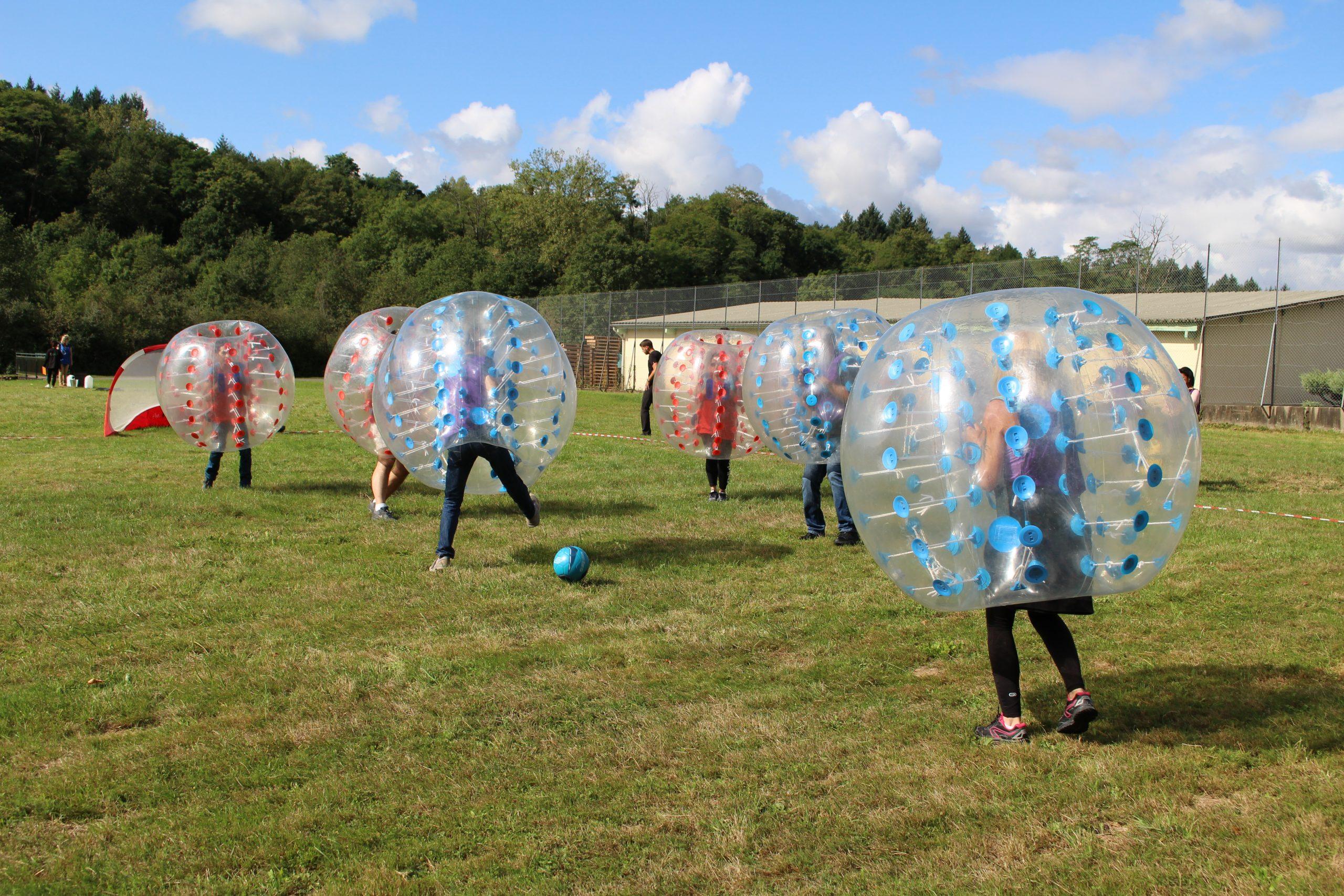 Crazy Games : Bubble Foot